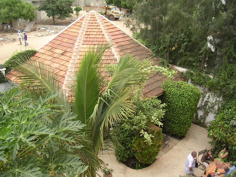 Sousoum hotel le bar dakar senegal for Le jardin dakar